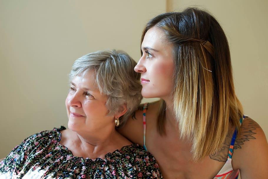 Statistique sur la dépendance des seniors à domicile : les aides de l'entourage et les aides professionnelles pour les personnes âgées de 75 ans ou plus